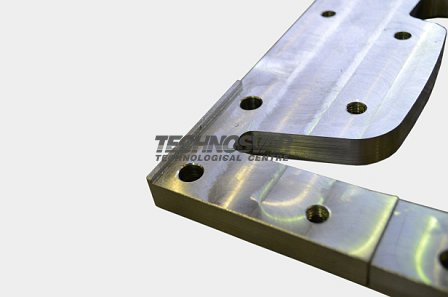 Trimmer knives for rail welding machines